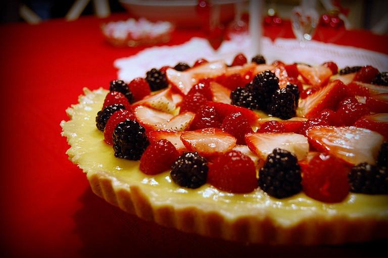 Dessert with glazed strawberries I © jpellgen/Flickr