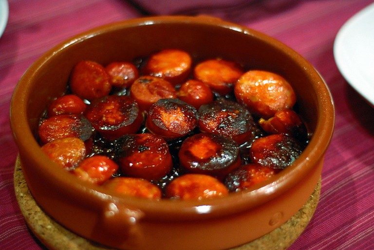 Chorizo with cider   © Lucia Sanchez / Flickr