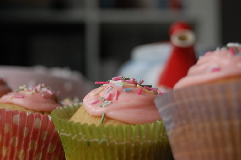 tea and cakes   © Andrew / Flickr