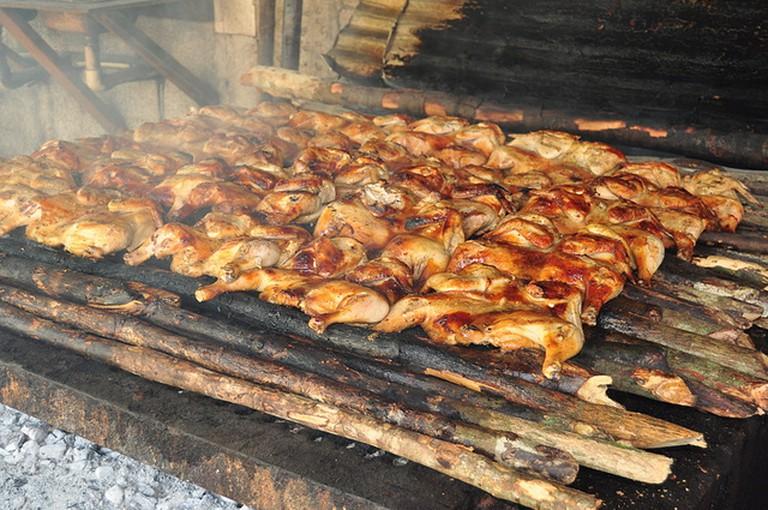 Jerk chicken cooking in Jamaica I © glennia/Flickr