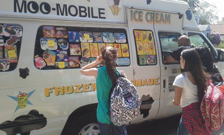 MOO-Mobile Ice Cream & Frozen Lemonade Truck   Courtesy MOO-Mobile Ice Cream & Frozen Lemonade Truck