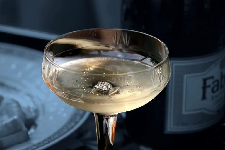 Enjoying champagne | © DIVA007/Flickr