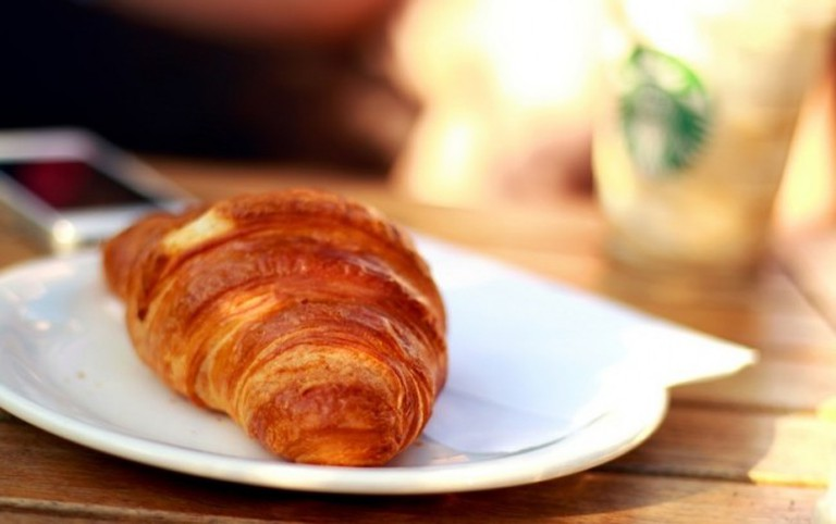 Croissant   © Jeshoots.com/Pexels