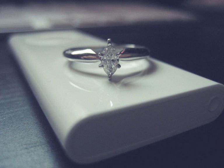 Engagement ring   © Jessica Diamond/Flickr