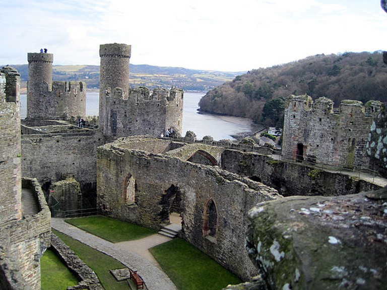 640px-Conwycastlew
