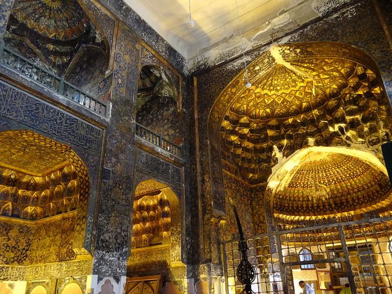 Interior of Lantern Hall- Sheikh Safi Mausoleum | ©Adam Jones/Flickr