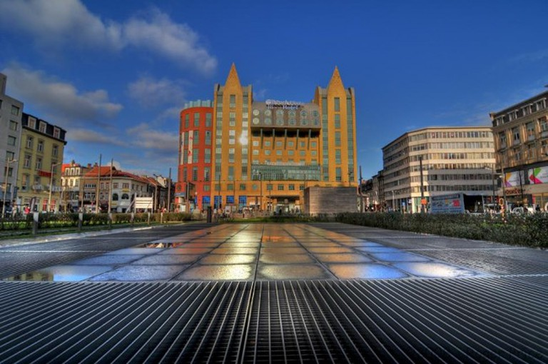Astrid Plaza Hotel and the Astridplein|© Roger Price/WikiCommons