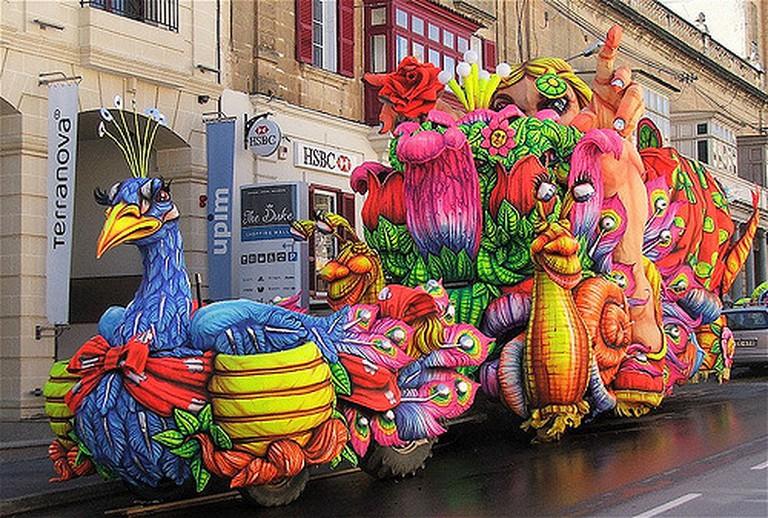 carnival float   © Peter grima/flickr