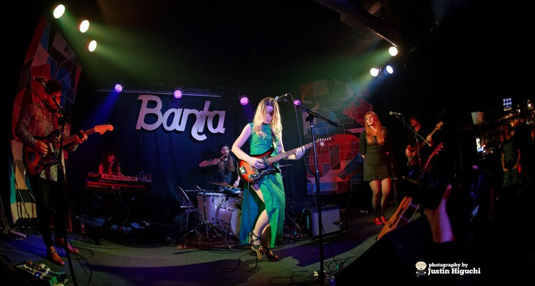 Banta Performing at The Satellite