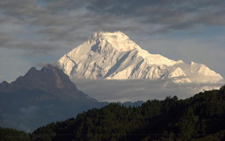 View of Khangcendzonga (C) Flickr/proxygeek