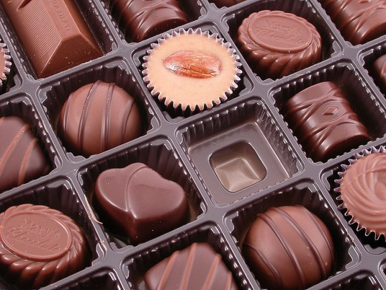 800px-Mary's_chocates_gift_box,_made_in_Japan