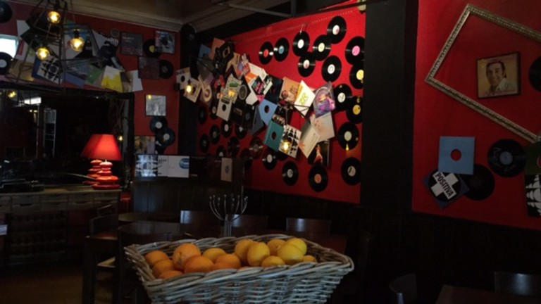 The interior of Bar Parallele
