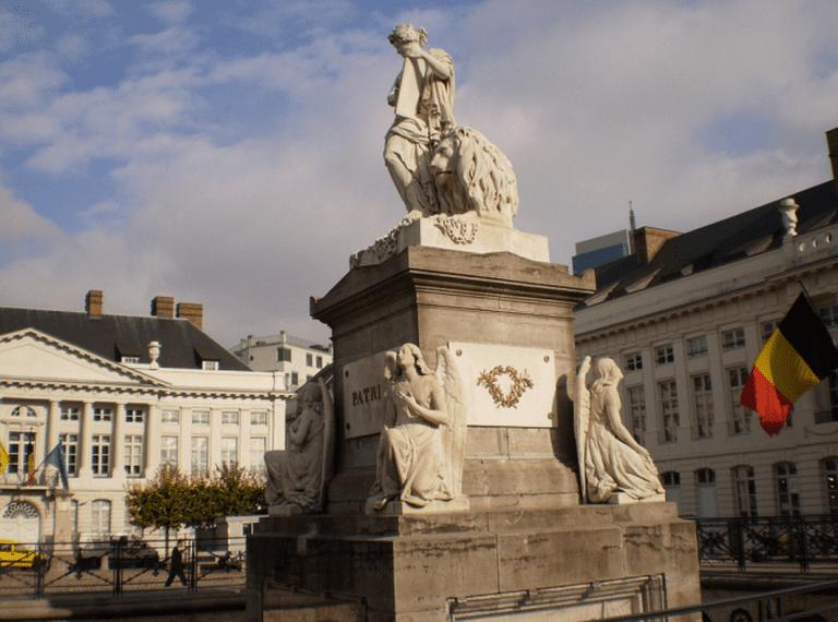 Monument, Martyrs' Square - Place des Martyrs   Dr Les (Leszek - Leslie) Sachs/Flickr
