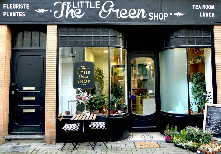 The store front of the tiny florist/eatery The Little Green Shop