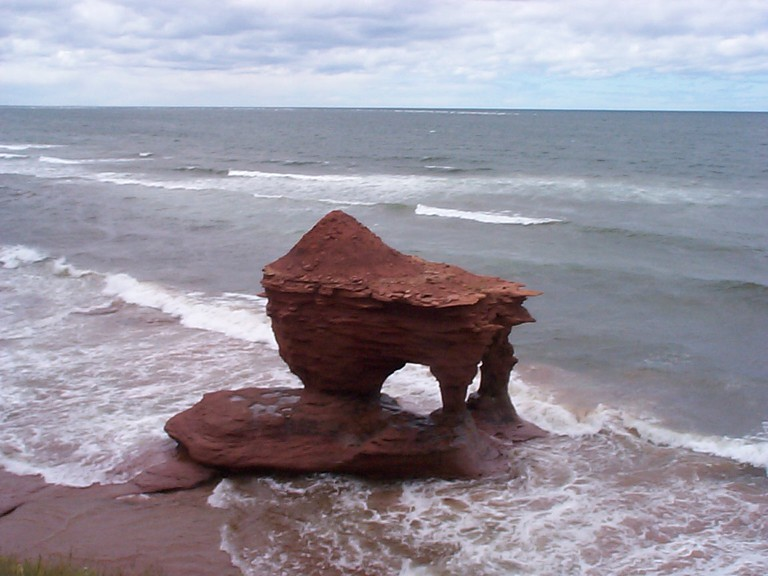 Teapot Rock, PEI | © Rob Durdle / Flickr