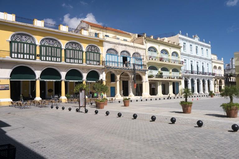 Plaza Vieja   © Bryan Ledgard/Flickr