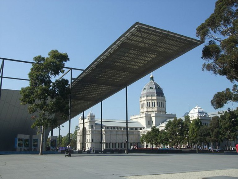 800px-Melbourne_Museum_and_Royal_Exhibition_building_2012