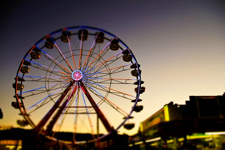 Ferris wheel at night at the Alameda County Fair   © Anna Oh/Flickr