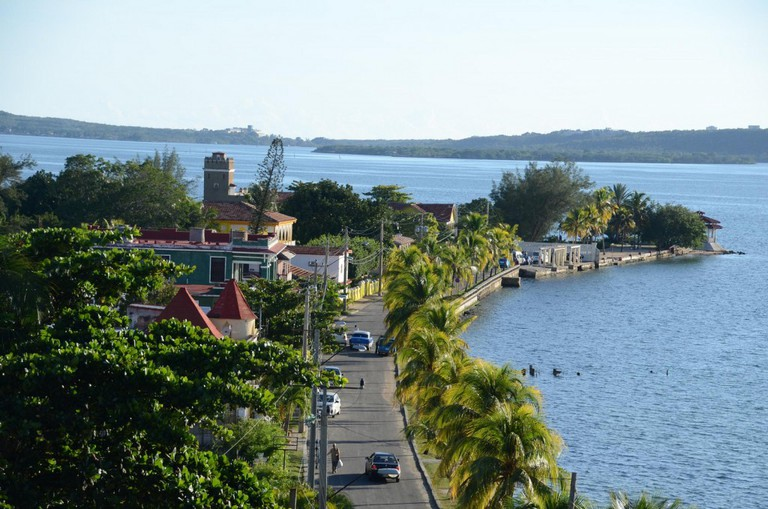Cienfuegos is a city with a clear European style full of grandiose © Joe Ross / Flickr
