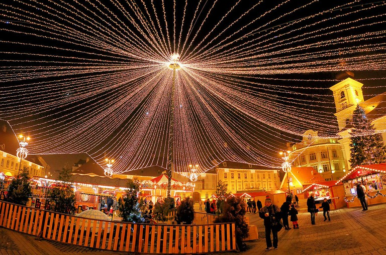 Christmas Fair in Sibiu Grand Square   © Neighbor's goat/WikiCommons