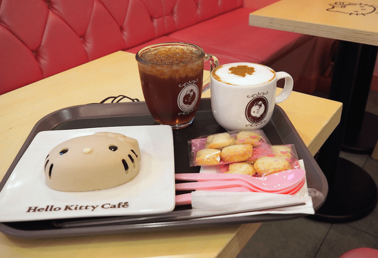 'Perky' is the word that springs to mind as you enter the Hello Kitty Cafe © Laika Ac / Flickr