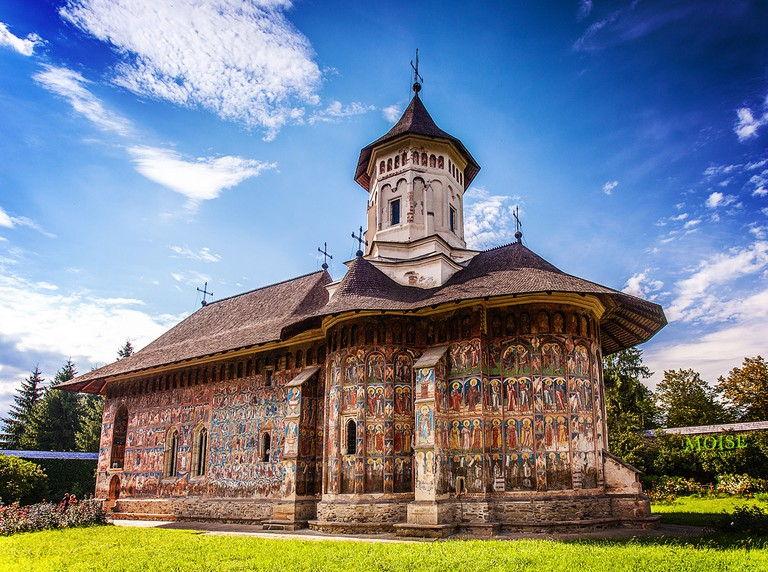 Painted Monastery in Romania   © Alex Moise/WikiCommons
