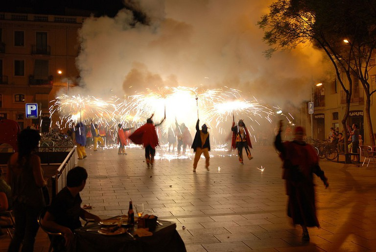 A traditional correfoc or fire-dance | © IK's World Trip / Flickr