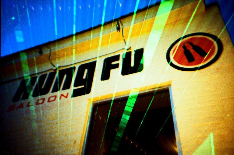 Kung Fu Saloon |© Cameron Russell/Flickr