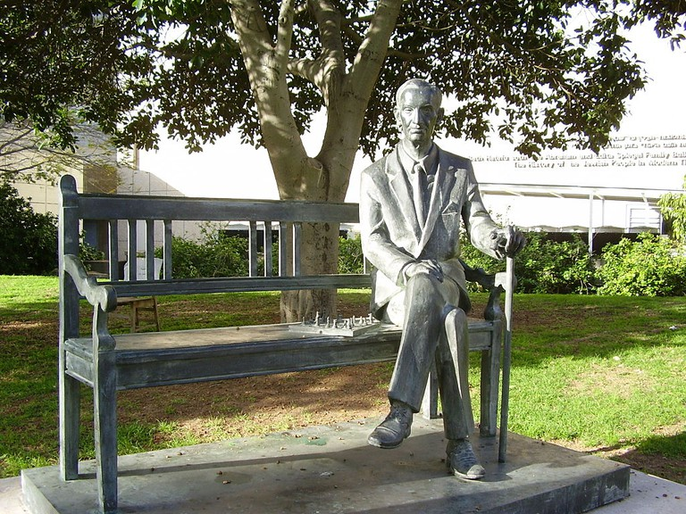 Jan Karski Statue in Tel Aviv University