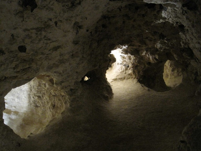 Only 5.500 visitors are allowed down the Neolithic flint mines of Spiennes every year | © Jean-Pol Grandmont/Wikimedia Commons