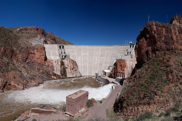Roosevelt Dam Water Release | © Alan Stark/Flickr