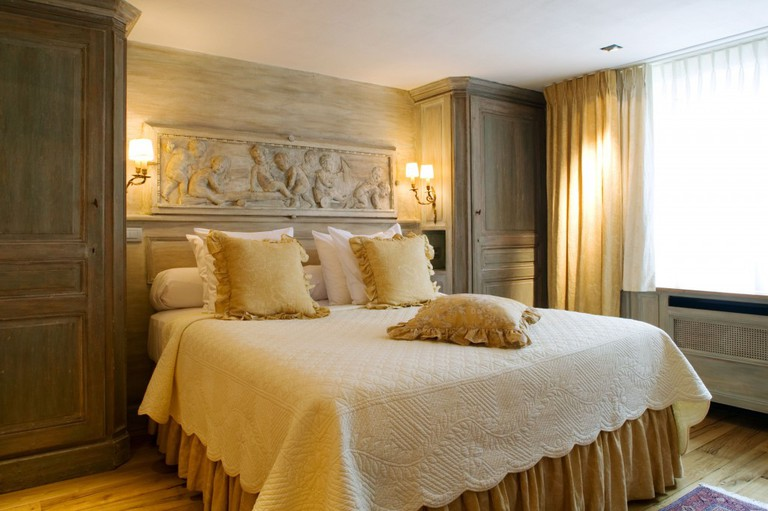 A deluxe room at the Relais Bourgondisch Cruyce, one of Bruges' most picturesque hotels | Courtesy of the Relais Bourgondisch Cruyce