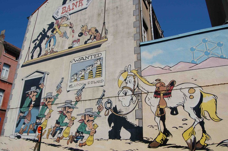 All over Brussels boring edifices are transformed into scenes straight out of Belgian comics | © Olivier van de Kerchove/courtesy of visitbrussels.be