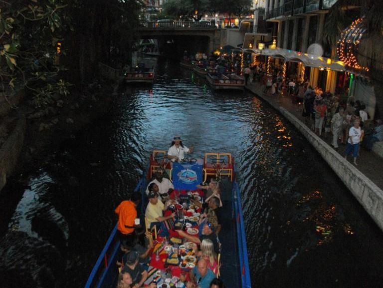 The Riverwalk San Antonio © R. Crap Mariner/Flickr