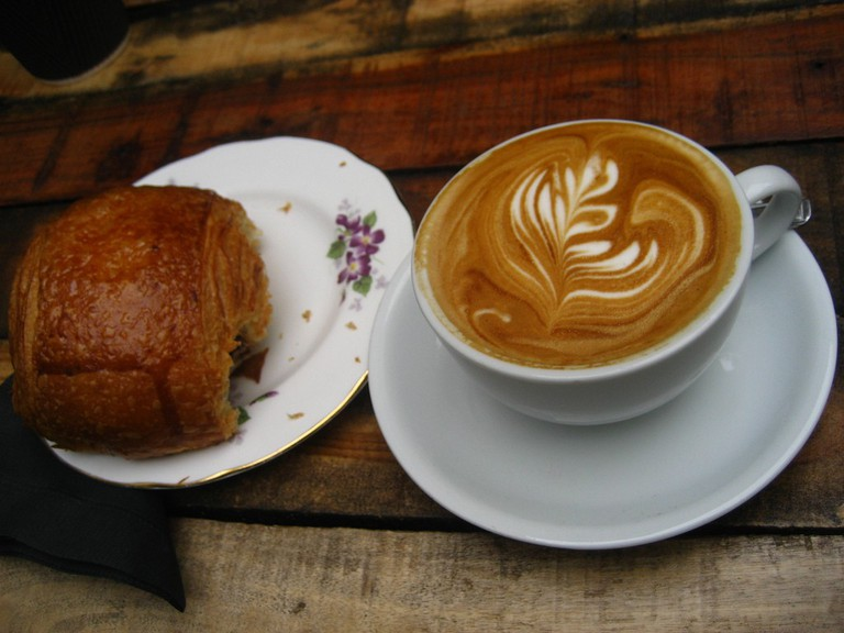 Coffee and croissant © Jeremy Keith/Flickr