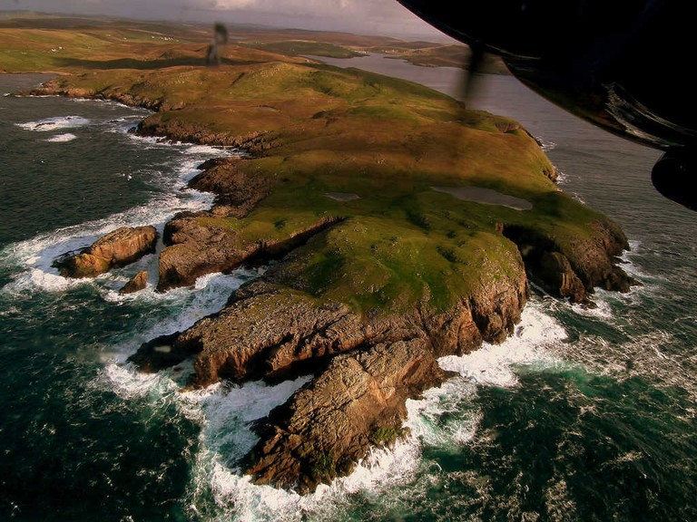 Flying Over Foula | © calflier001/Flickr