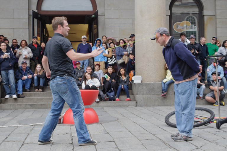 Street performer in front of Quincy Market| ©InSapphoWeTrust/Flickr
