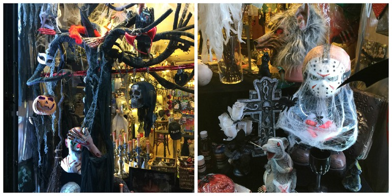 Halloween displays at Aux Feux de la Fête