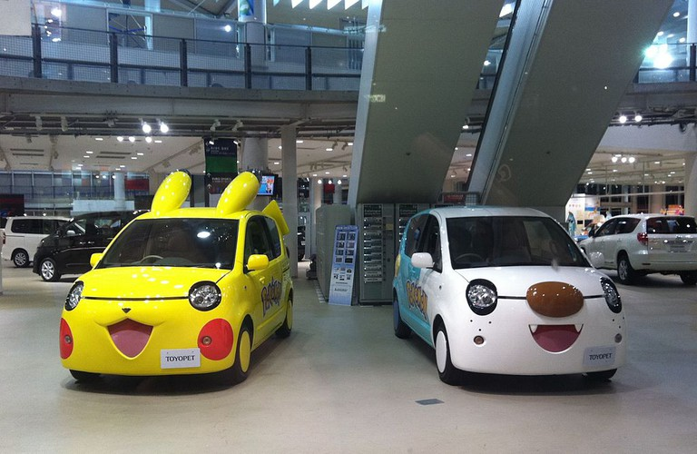 Pokemon cars ready to go in Odaiba   © Laika ac/Flickr