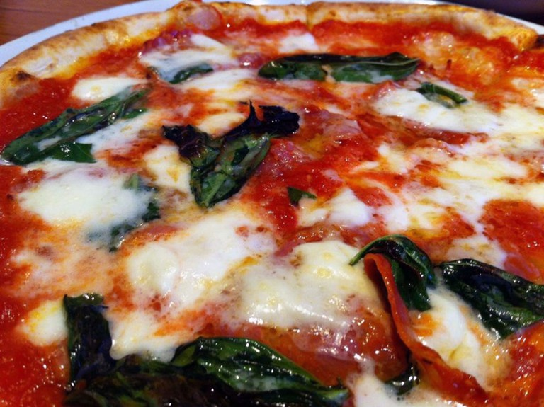 Classic mozzarella pizza