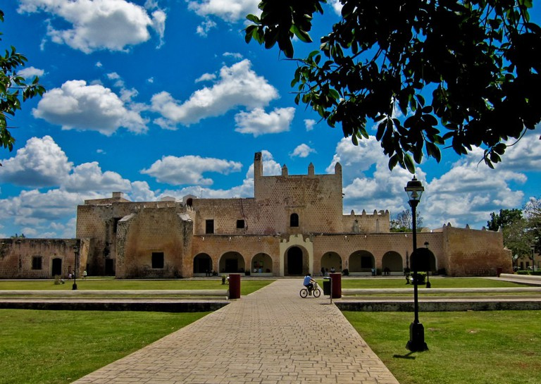 Convento de San Bernardino, Valladolid   © By Michael (a.k.a. moik) McCullough from Klamath Falls, Oregon, USA/WikiCommons