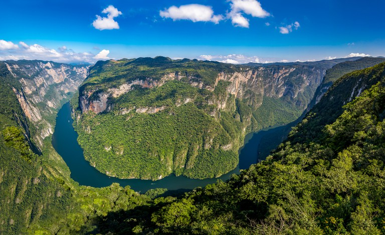 View from above the Sumidero Canyon - Chiapas, Mexico © Diego Grandi / Shutterstock