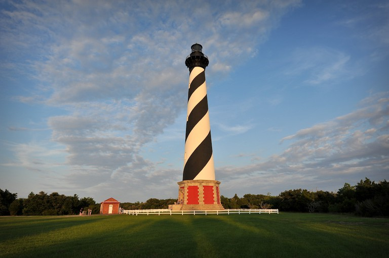 Cape Hatteras Lighthouse at sunset | © John Buie/Flickr
