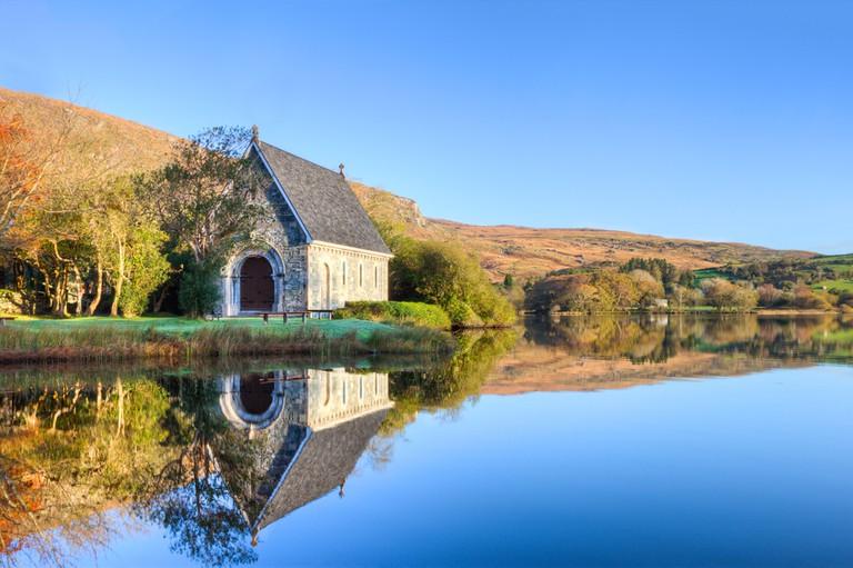 Gougane Barra, West Cork in Ireland.© Lukasz Pajor / Shutterstock