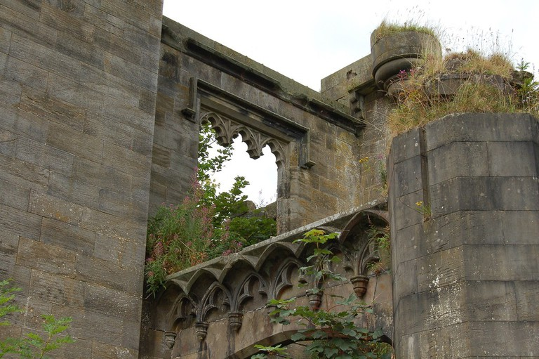 Craigend Castle, Mugdock Country Park   © John Bointon/Flickr