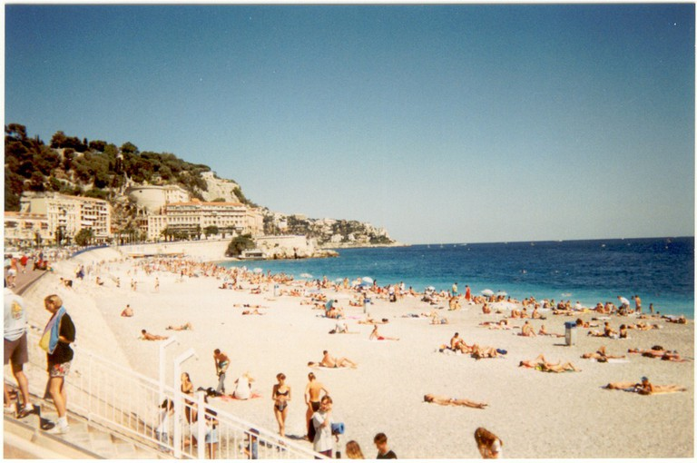 Nice's Promenade des Anglais is well-worth taking the time to walk the route | © Christiano Cani/flickr