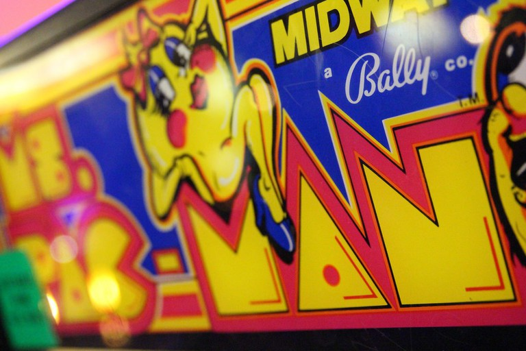 Ms. Pacman Arcade Game | © Jim & Rachel McArthur/Flickr