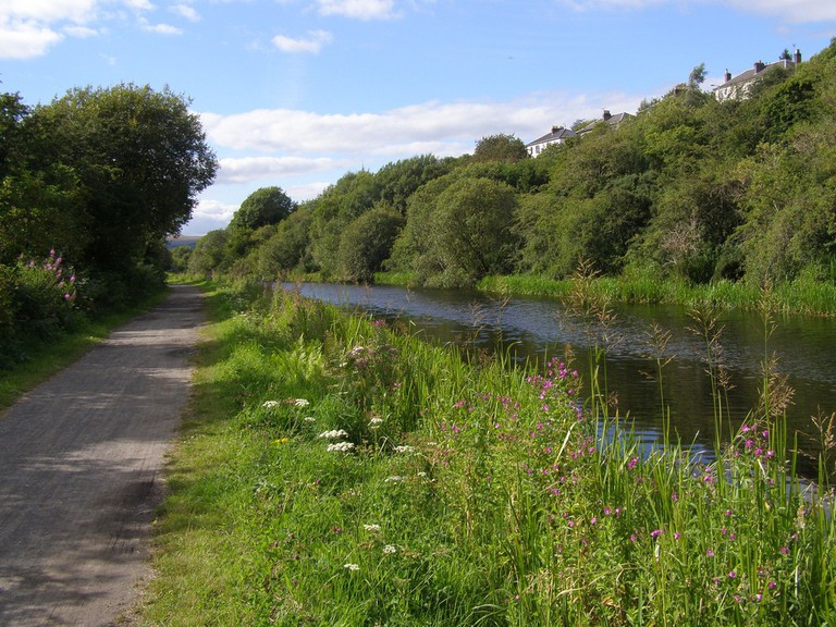 Forth and Clyde Canal Pathway   © John Johnston/Flickr