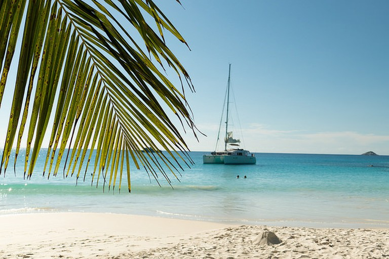 Charter your own catamaran | ©so seychelles / flickr