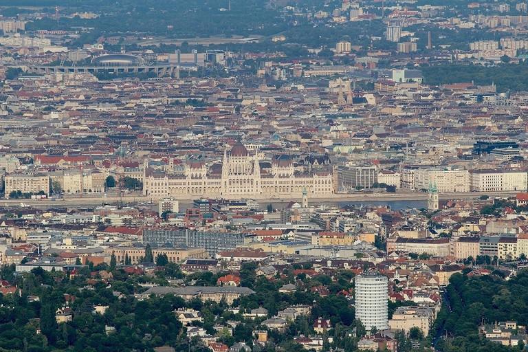 Budapest from janos hill  © Prabhu Balakrishnan / Flickr cc